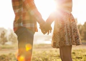 Près des deux tiers des Français vivant en couple pensent qu'il est possible d'aimer quelqu'un tout en lui étant infidèle