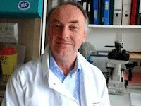 Le virologue Bruno Lina est favorable au racatère obligatoire du vaccin
