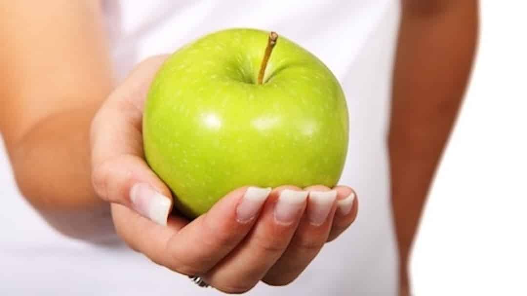 Une pomme, un aliment de base pour la minceur