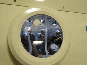 Le centre hyperbare de HEH accueille jusqu'à 16 personnes simultanément