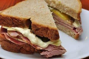 Evitez de manger des sandwiches à l'heure du déjeuner !