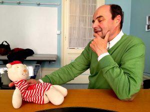 Des marionnettes pour faire comprendre à l'enfant l'importance du sommeil