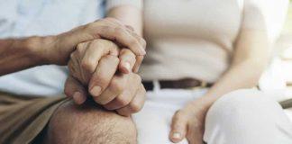 Les aidants, indispensables, pour la prise en charge des malades d'Alzheimer
