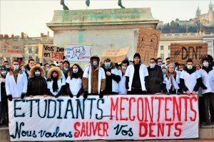 Manifestation des étudiants dentistes là Lyon