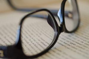 Mieux lire avec des verres progressifs, un vrai... progrès