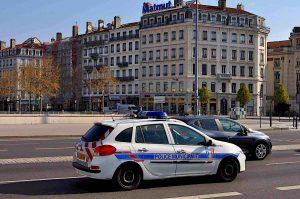 Lyon Covid contrôle police