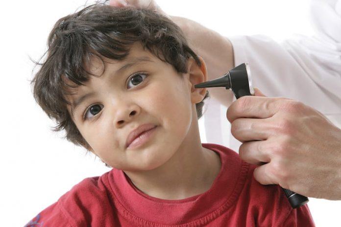 L'otite, une maladie propre aux enfants.
