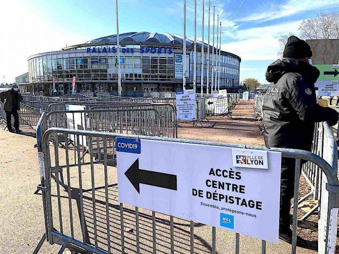 Le dépistage Covid se poursuit au centre de Lyon-Gerland
