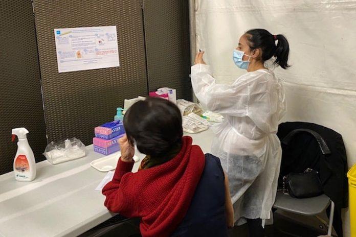 Vaccination Covid-19 : objectif 2000 vaccins par jour au vaccinodrome de Lyon Gerland.