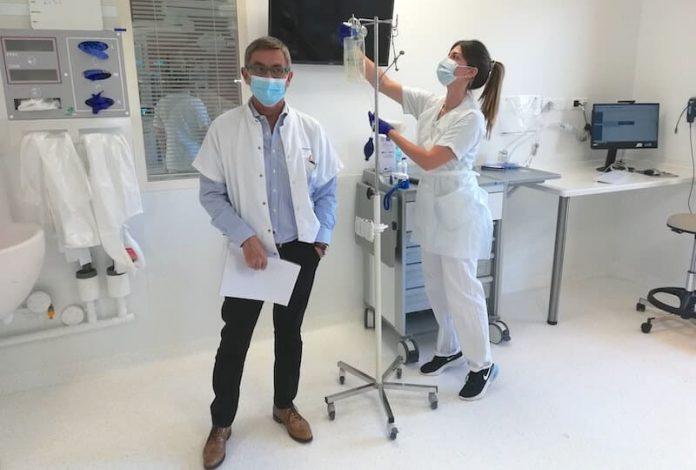Le nouveau service de ranimation de l'hôpital cardiologique Louis Pradel, à Lyon, ''l'une des plus belles de France''.